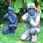 outdoor_men-kneeling_papier_mache_640x480